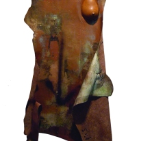 MUJER// cuero pintado y cerámica/ 2005